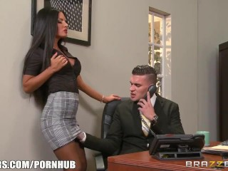 Preview 2 of Elicia Solis gets some office fucking - Brazzers