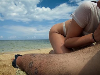 Preview 2 of Petite blonde with big ass fucks on the beach! Amateur LeoLulu