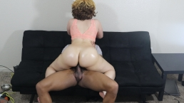 Big booty light skin slut bounces her bubble butt on BBC, must see jiggle!